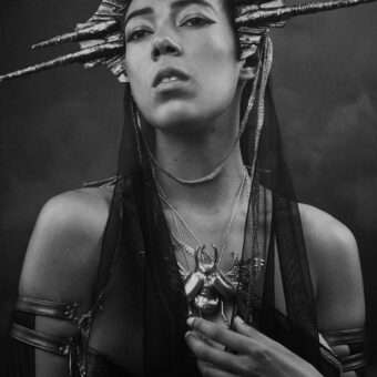 48) AREVIK   –Ph: Sheridan's Art –Model: Inez IV –Costume Designer: Giulia Danese –Beetle Necklace: Cu Nature