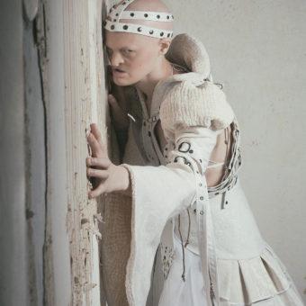 16) Costume GIULIA DANESE - Ph NANA HANK - Model MELANIE GAYDOS